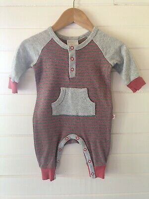 AU7 • Buy Marquise Romper / Coverall - Size 000 / 0-3 Months (#D1472)