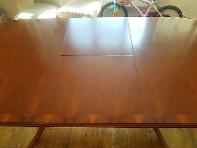 Yew Dining Table And Chairs • 80£