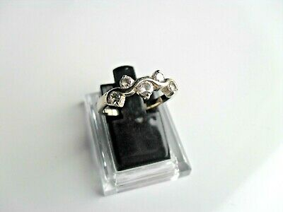 Ladies 925 Sterling Silver Ring Size O With 5 X Clear Sparklers Very Nice • 16.95£