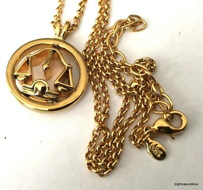 WOW FASHION Necklace SIGNED JOAN RIVERS Pendant Gold Tone Chain Jewelry Lot W • 3.75$