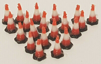 1-100th Scale Traffic Cones (20 Pack) Black Base With Red/White Top. 9mm Tall  • 5£