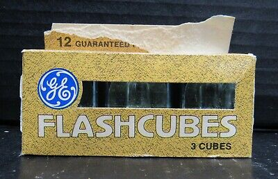 $5.99 • Buy NEW In Open Box Vintage General Electric FlashCubes 3 Cubes 12 Flashes
