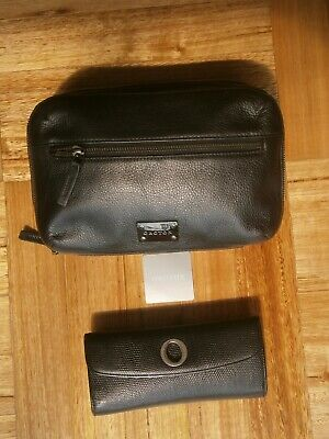 AU20.10 • Buy Lot Of 2 Oroton Items- Leather Clutch /pouch & Leather Wallet
