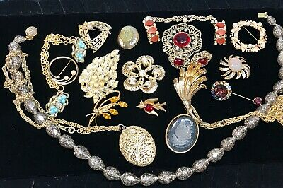 $ CDN13.03 • Buy 19 Piece Mixed Lot Of Vintage Jewelry Pieces High-End Metallic Gold Tone