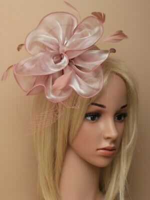 Dusky Pink Chiffon Fascinator With Net On Aliceband. • 12.50£