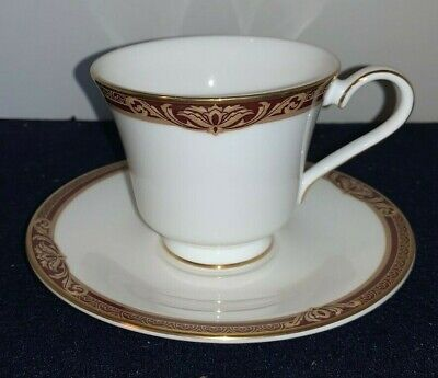 Royal Doulton TENNYSON CUP And SAUCER  • 16.50£