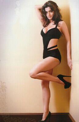$ CDN5.40 • Buy Amisha Patel With Her High Heels 8x10 Picture Celebrity Print