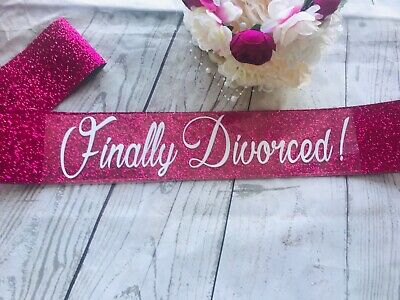 Divorce Party Sash-Glitter Sash-Pink Glitter Divorce Party • 19.90£