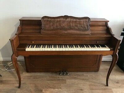 $1195 • Buy Baldwin Acrosonic Console Upright Piano 40 1/2  Satin Walnut