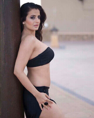 $ CDN5.40 • Buy Amisha Patel Sexy Wearing Her Body 8x10 Picture Celebrity Print