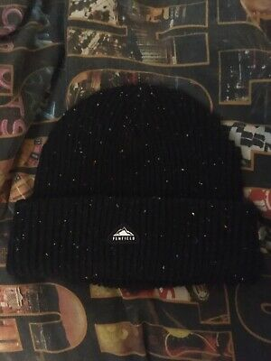 Penfield Black Beanie • 10£