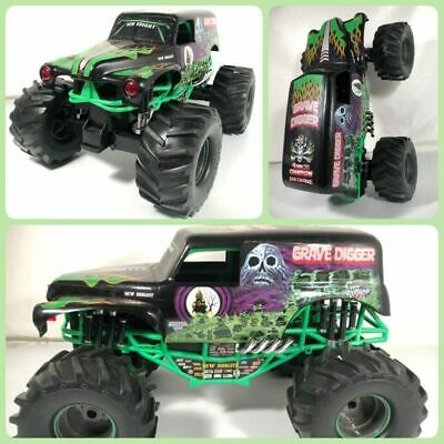 New Bright 1:10 RC 9.6V Monster Jam Grave Digger Truck No Remote Crawler Rare • 72.02£