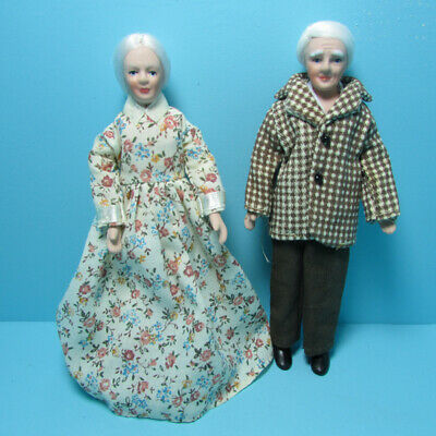 $ CDN27.27 • Buy Dollhouse Miniature Porcelain Modern Day Country Grandparents Family Dolls G7671
