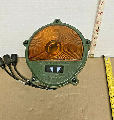 $42.80 • Buy HMMWV MILITARY M-Series + 24V FRONT AMBER TURN SIGNAL 11614156, 6220-01-433-8813