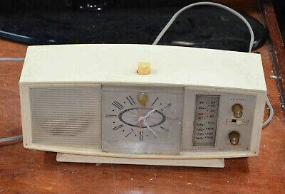 $ CDN48.38 • Buy Silvertone Transistor AM FM Clock Radio Model 2087 Chassis No 132.42901 White
