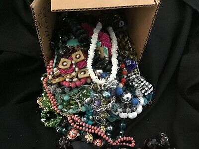 $ CDN17.24 • Buy Lot Of Necklaces Costume Jewelry Vintage Lot 5.1 LB