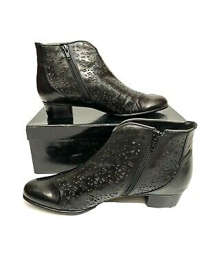 $99 • Buy EVERYBODY Laser Cut Heeled Booties Ankle Boots Felice 40.5 10 Black Leather NEW