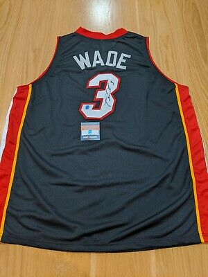 AU880 • Buy DWAYNE WADE - Miami Heat Signed Jersey With COA