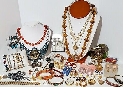 $ CDN128.98 • Buy Large Estate Vintage Costume Jewelry Lot. Clip On Earrings, Brooches, Rings, Etc