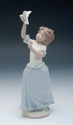 Vintage Nao By Lladro   Playing With A Dove  Girl With Bird Figurine #0324 • 37.99£