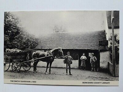 VINTAGE BARKHAM, THE SMITHY BERKSHIRE, BERKSHIRE COUNTY LIBRARY POSTCARD Ll5 • 1.99£