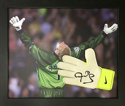Framed Peter Schmeichel Manchester United Signed Nike Goalkeeper Glove & Proof  • 99.99£