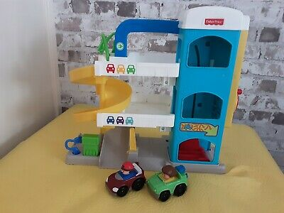 Fisher Price Little People Garage • 7£