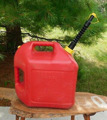 $ CDN26.84 • Buy Blitz 5 Gallon Gas Can Used Red Poly Top Vent