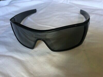 AU111 • Buy Oakley Polarized Batwolf 009101-35 Sunglasses Used