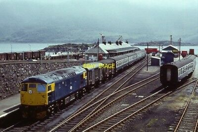 Photo  Kyle Of Lochalsh Station 1973 Class 26 Diesel Locomotive 5342 Waits With • 3£
