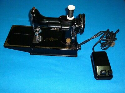 $350 • Buy VINTAGE SINGER FEATHERWEIGHT 221 SEWING MACHINE, With Pedal