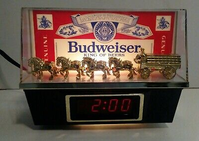 $ CDN48 • Buy Vintage Budweiser Bar Clock Clydesdale's Lighted Clock Beer Sign