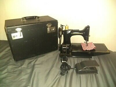 $385.99 • Buy Vintage Singer Featherweight Sewing Machine Cat. 3-120 In Original Case  TESTED