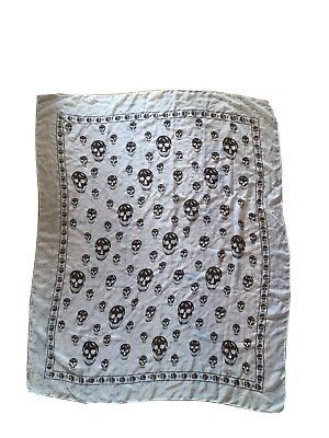 AU25 • Buy Alexander McQueen White, Black Skull Large Scarf Good Pre Owned Condition.
