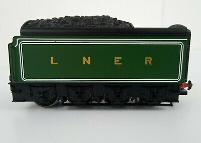 Hornby OO Gauge A1/A3/A4 Class Locomotive 8-Wheeled Corridor Tender LNER Green • 28.99£