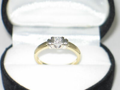 18ct Gold PRINCESS CUT DIAMOND SOLITAIRE Ring Size M -  £1500 Valuation ! • 455£