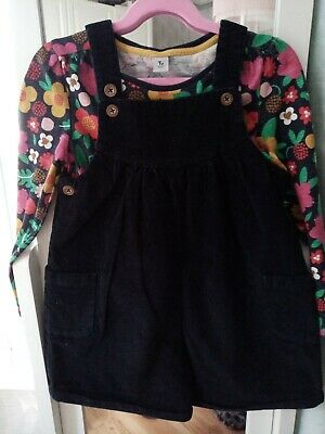 Girls Short Dungarees With Top Age 5-6 • 2.20£