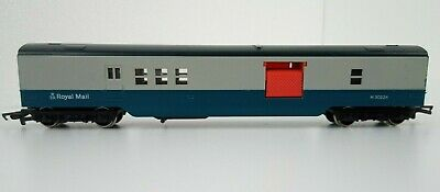 Hornby R119 OO Gauge BR Royal Mail Operating Blue & Grey Mail Coach M30224 • 19.99£
