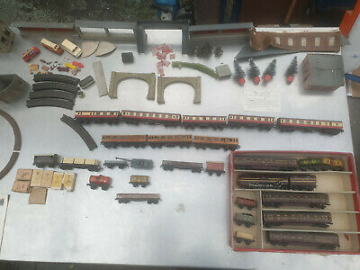 Trix Twin Railway Coronation Scot Train Set & Job Lot Of Carriages, Stations Etc • 415£