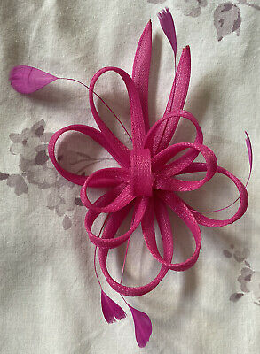Hot Pink Clip Feather Fascinator Ladies Day Royal Ascot Races Wedding Hair Clip • 2.70£