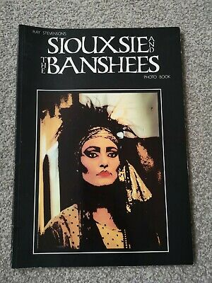 THE SIOUXSIE AND THE BANSHEES Photo Book- Ray Stevenson - (Paperback 1986) • 15£