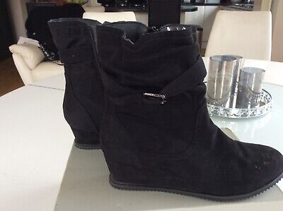 Black Suede Pavers Boots Size 5 Worn Once Wedged Heel Comfort • 5£
