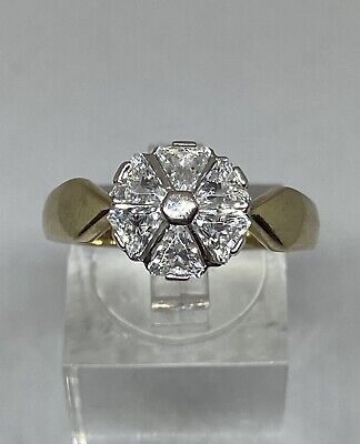 9ct Gold Ring With White Topaz Size R    Weight 4.1g • 70£
