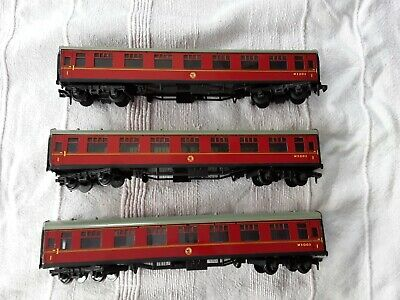 Hornby Duplo Three British Railway Carriages 00 Gauge • 1.50£