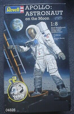 1/8 Scale Apollo Astronaut By Revell • 16.99£