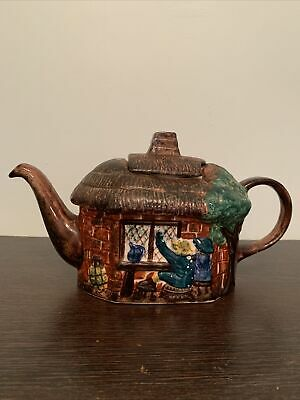 Tony Wood - Vintage Staffordshire Thatched Cottage Teapot • 5£