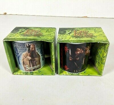 LORD OF THE RINGS 2001 Saruman & Frodo With The Hobbits Mug. New In Box • 14.95£