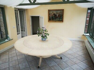 Large Dinning Table • 1,250£