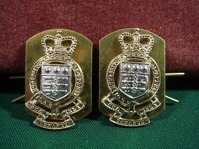 Pair Of Royal Army Ordnance Corps (RAOC) Collar Badges/Dogs With Backing Plates • 7£