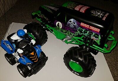Radio Controlled RC Monster Jam Grave Digger Truck And 4x4 Quad Bike Gift Set  • 35£
